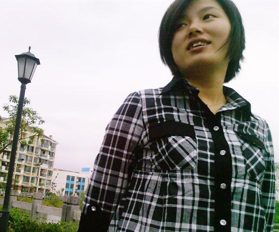 吴丽娟    设计师