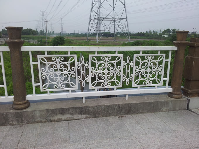 桥梁铁艺栏杆造型